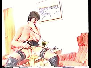 French Mature Plows Her Pussy With Plastic - 2